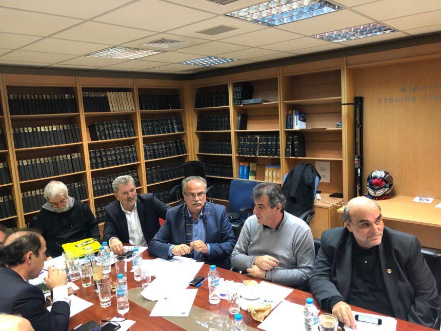 Ομόφωνα αποδεκτή από την Οικονομική Επιτροπή της ΚΕΔΕ η πρόταση του Δημάρχου Πλατανιά για μετατροπή του ισχύοντα φόρου διαμονής σε τέλος διανυκτέρευσης, αποδιδόμενο στους Δήμους